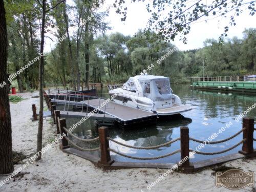 Бухта для катера